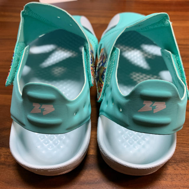 NIKE(ナイキ)のナイキ JORDAN FLARE PS サンダル ジョーダンフレア 20cm キッズ/ベビー/マタニティのキッズ靴/シューズ(15cm~)(サンダル)の商品写真
