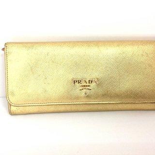 プラダ(PRADA)のPRADA(プラダ) 長財布 - ゴールド レザー(財布)