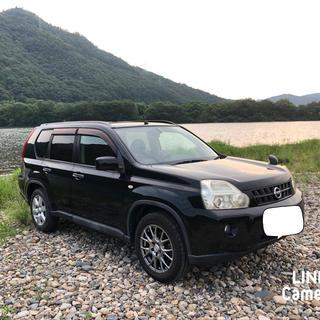 ニッサン(日産)の日産 X-TRAIL 黒(車体)