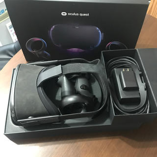 Oculus Quest 64GB オキュラスクエスト(家庭用ゲーム機本体)