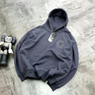 クロムハーツ(Chrome Hearts)のクロムハーツ グレーのパーカー    長袖Tシャツ   刺繍ロゴ(パーカー)