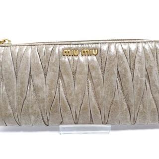 ミュウミュウ(miumiu)のミュウミュウ 長財布 ギャザーウォレット(財布)