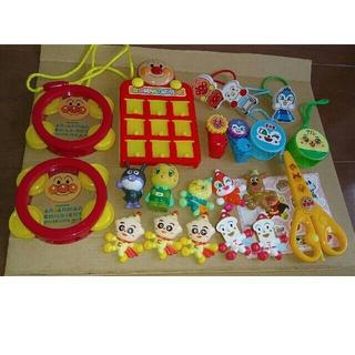 アンパンマン(アンパンマン)のマグネット はさみ タンバリン おもちゃ など(キャラクターグッズ)