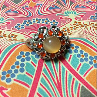 オレンジ系のアンティークデザインリング(リング(指輪))
