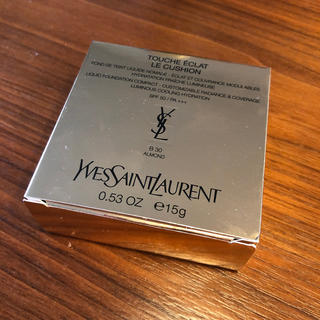 サンローラン(Saint Laurent)のイヴ・サンローラン ラディアント タッチ ルクッション B30 1セット(ファンデーション)