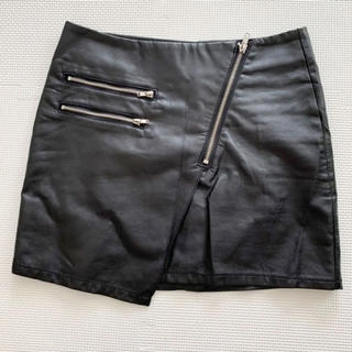 H&M - H&M フェイクレザー ミニスカート