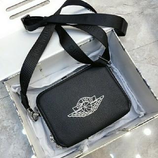 ディオール(Dior)のDior Air Jordan コラボ ディオール 大人気 ショルダーバッグ(ショルダーバッグ)