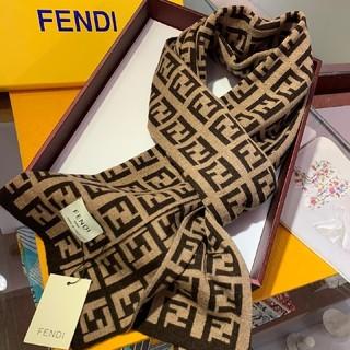 フェンディ(FENDI)のFendi フェンディ 美品 メンズ  マフラー 大人気(マフラー)