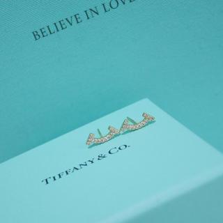 ティファニー(Tiffany & Co.)のTスマイルピアス♡ゴールド(ピアス)
