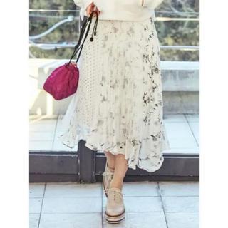 マーキュリーデュオ(MERCURYDUO)の泉里香さん着用 アシンメトリープリーツスカート(ロングスカート)