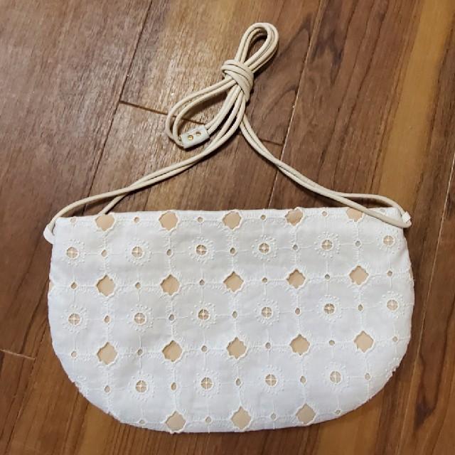 mina perhonen(ミナペルホネン)のミナペルホネン クッペバッグ アネモネ ホワイト レディースのバッグ(ショルダーバッグ)の商品写真
