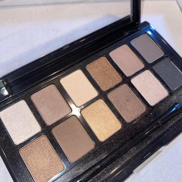 MAYBELLINE(メイベリン)のメイベリン アイシャドウパレット コスメ/美容のベースメイク/化粧品(アイシャドウ)の商品写真
