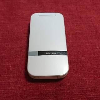 Softbank - ソフトバンク PANTONE  202SH ホワイト ガラケー本体