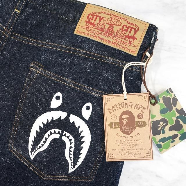 A BATHING APE(アベイシングエイプ)のA BATHING APE 1999 TYPE-02 SHARK DENIM メンズのパンツ(デニム/ジーンズ)の商品写真