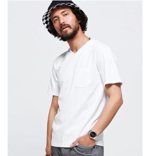 ナノユニバース(nano・universe)の【最終値下げ】新品ナノユニバースAntiSoaked Vネック白 Tシャツ Ꮪ (Tシャツ/カットソー(半袖/袖なし))