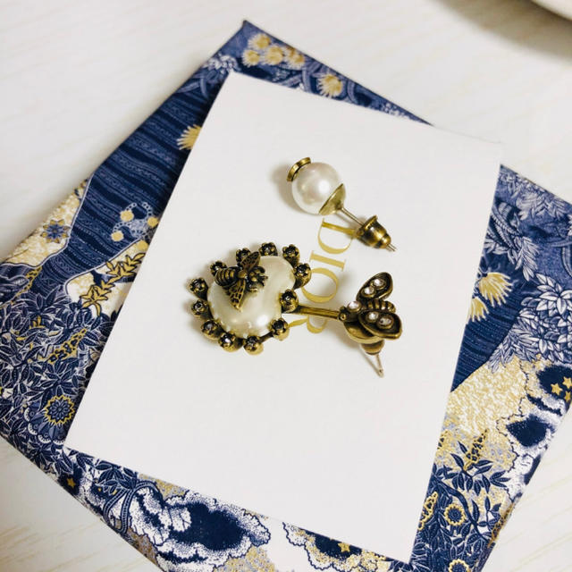 Dior(ディオール)の「1点のみ」DIOR ハート蜂 ピアス レディースのアクセサリー(ピアス)の商品写真