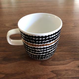 マリメッコ(marimekko)のマリメッコ ラシマット ゴールド マグカップ(食器)