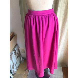 ジーユー(GU)のGU ビビッドピンク ゴムスカート(ひざ丈スカート)