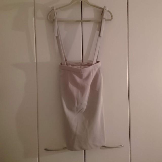 dazzlin(ダズリン)のㅤリ ボン サ ス ペン ダー ス カ ー ト レディースのスカート(ひざ丈スカート)の商品写真