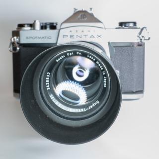 手軽にフィルムセット!PENTAX SP+Super-Takmar 135mm