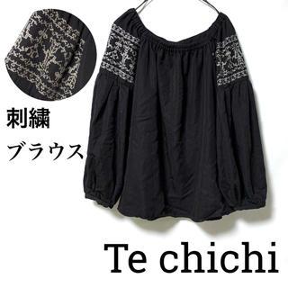 テチチ(Techichi)のTe chichiテチチ/肩刺繍スクエアネックブラウス透けない素材 黒 美品(シャツ/ブラウス(長袖/七分))