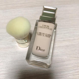 ディオール(Dior)のDior プレステージ ル フルイド タン ドゥ ローズ 1N ファンデーション(ファンデーション)