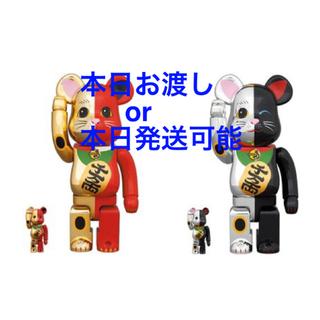 メディコムトイ(MEDICOM TOY)のBE@RBRICK 招き猫 金×赤・銀×黒 100% & 400%(その他)