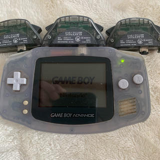 ゲームボーイアドバンス(ゲームボーイアドバンス)のゲームボーイアドバンスアダプタ3本付き起動します。(家庭用ゲーム機本体)