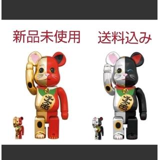 メディコムトイ(MEDICOM TOY)のBE@RBRICK 招き猫 金×赤/銀×黒  セット(キャラクターグッズ)