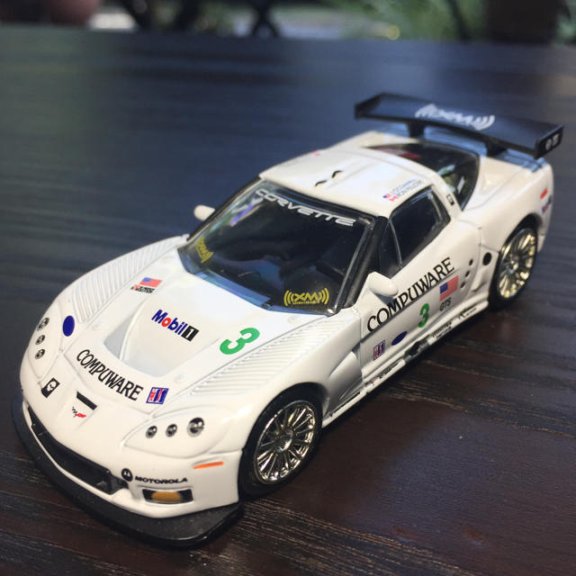 2005 CORVETTE C6-R レース仕様 1/64スケール エンタメ/ホビーのおもちゃ/ぬいぐるみ(ミニカー)の商品写真