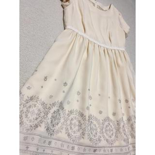 ニッセン(ニッセン)の刺繍白ワンピース フォーマルにも(ミディアムドレス)