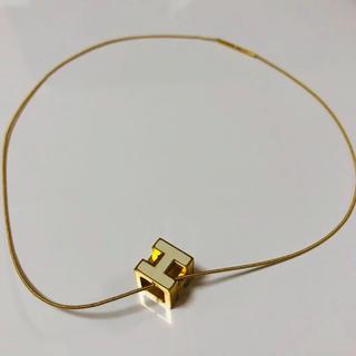 エルメス(Hermes)のHERMES エルメス Hキューブ ネックレス ホワイト×ゴールド(ネックレス)