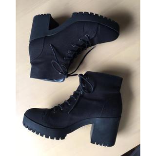 フォーエバートゥエンティーワン(FOREVER 21)のForever 21 黒ブーツ 27cm(ブーツ)