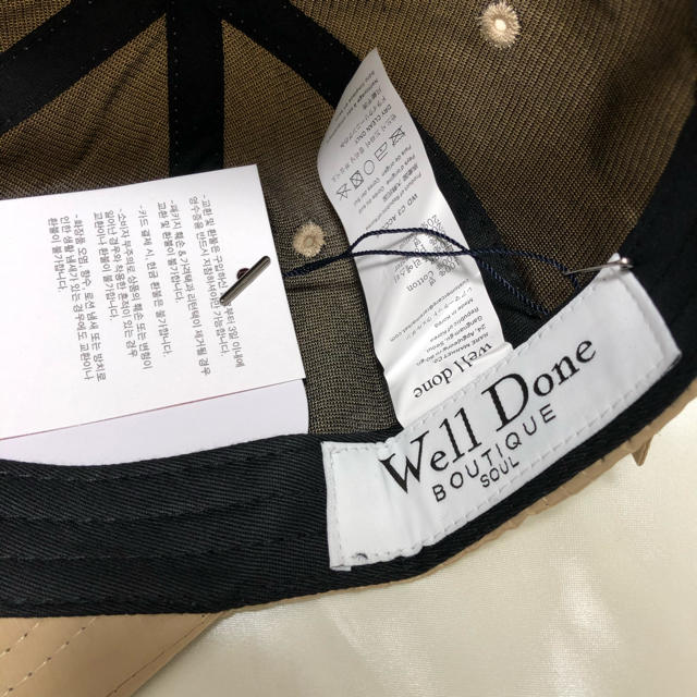 PEACEMINUSONE(ピースマイナスワン)の新品 we11done キャップ 帽子 ベージュ g-dragon着用 正規品 メンズの帽子(キャップ)の商品写真
