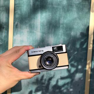 オリンパス(OLYMPUS)のOLYMPUS TRIP 35【beige】整備品、完動品、キャップ付(フィルムカメラ)
