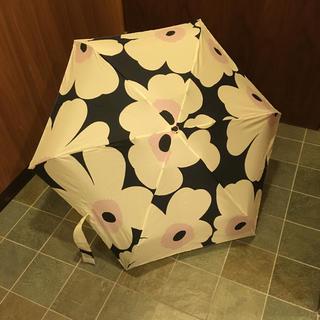 マリメッコ(marimekko)の【限定】傘✈︎マリメッコ ✈︎ファンエアー限定(傘)