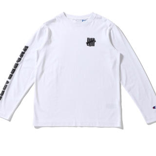 アンディフィーテッド(UNDEFEATED)のUNDEFEATED×Champion ロングTシャツ ホワイト新品M(Tシャツ/カットソー(七分/長袖))