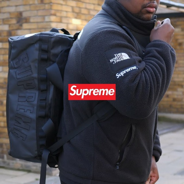 Supreme(シュプリーム)の(新品)Arc Logo Small Base Camp Duffle Bag メンズのバッグ(バッグパック/リュック)の商品写真