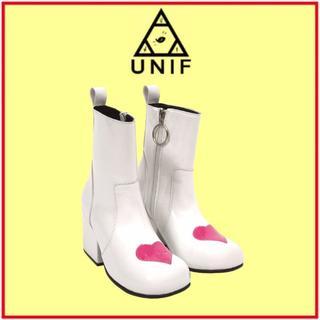 ユニフ(UNIF)のUNIF♡MOXIE HEART(ブーツ)