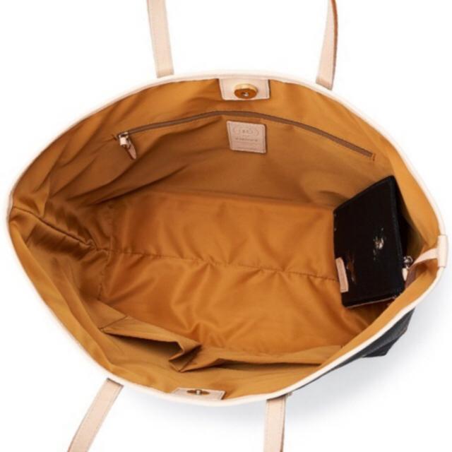 Russet(ラシット)の⭐️新品⭐️russet 馬柄 バッグ⭐️ポーチ付き レディースのバッグ(トートバッグ)の商品写真