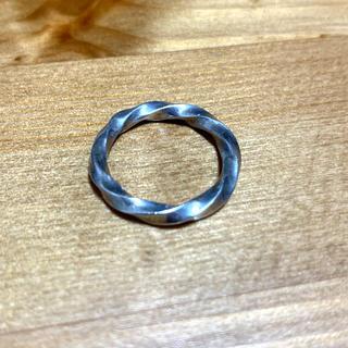 マルタンマルジェラ(Maison Martin Margiela)のツイストシルバーリング (リング(指輪))