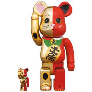 メディコムトイ(MEDICOM TOY)の【BE@BRICK】 招き猫 金×赤 銀×黒 100%&400% 2個セット(その他)