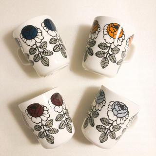 マリメッコ(marimekko)のマリメッコ ヴィヒキルース 限定マグカップ4個セット(グラス/カップ)