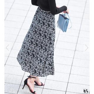 ティティベイト(titivate)の✨✨UR'Sのお花柄のロングスカート 新品未使用品✨✨(ロングスカート)