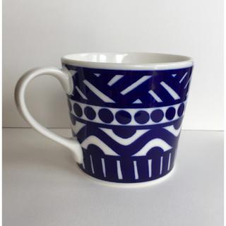 アッシュペーフランス(H.P.FRANCE)の北欧デザイン マグカップ ブルー ネイビー  青 白地 ホワイト 紺色(グラス/カップ)
