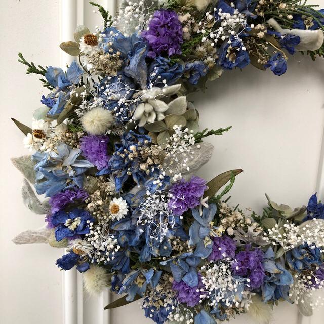 ブルーの三日月リース*ドライフラワーリース ハンドメイドのフラワー/ガーデン(リース)の商品写真