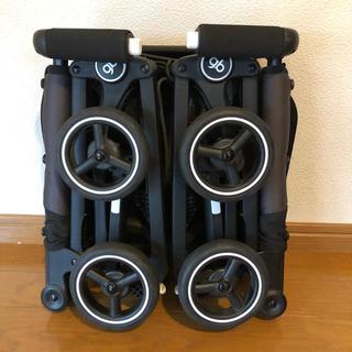 ジービー(GB)のGB POCKIT 黒(ベビーカー/バギー)