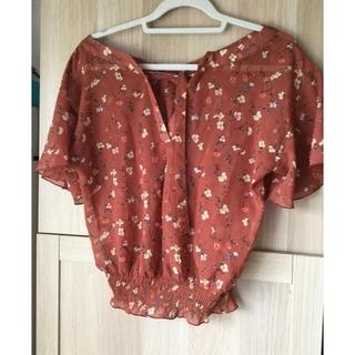ヘザー(heather)のヘザー レンガ色 花柄ブラウス ウエストシャーリング(Tシャツ(半袖/袖なし))