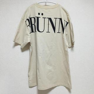 フレイアイディー(FRAY I.D)のバックロゴビッグTシャツ ベージュ FRAY I.D(Tシャツ(半袖/袖なし))