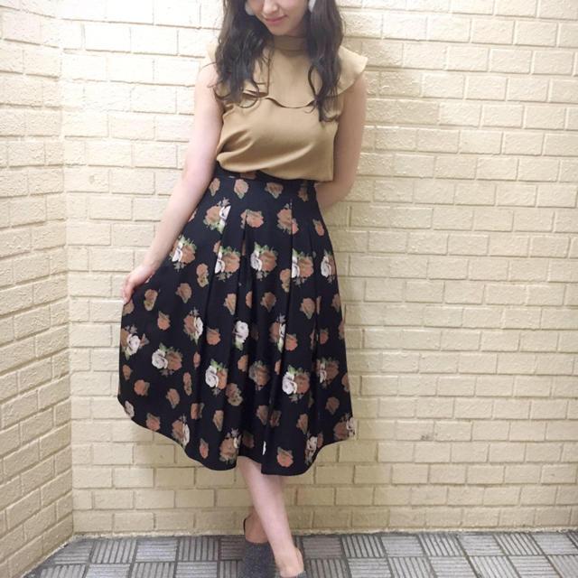 dazzlin(ダズリン)のヴィンテージフラワーミディスカート レディースのスカート(ひざ丈スカート)の商品写真